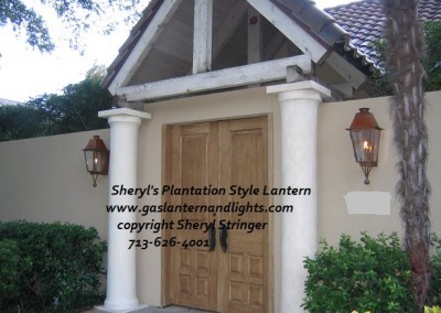 Plantation Gas Lantern with Finials