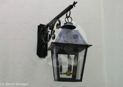 Sheryl's Style One Electric Lantern With Steel Arrow Bracket